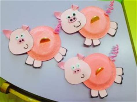 Pig Paper Plate Craft - recycled farm animals craft idea for crafts and