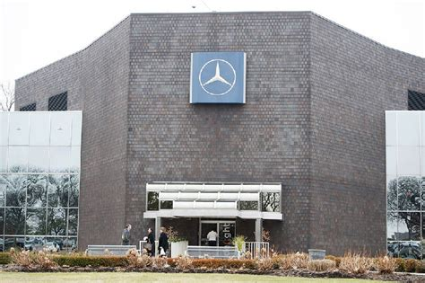 mercedes to add 800 at new u s headquarters in