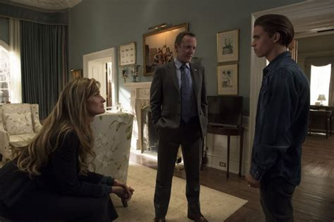 designated survivor season 2 episode 8 designated survivor season 2 episode 7 quot family ties quot photos