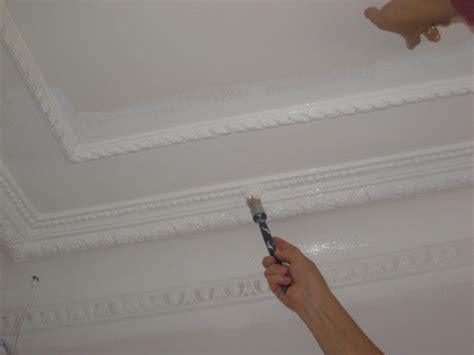 Peinture Angle Plafond by Peindre Moulure Plafond Owhfg