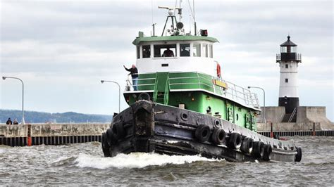 tugboat work tugboat companies busy with pre winter work duluth news