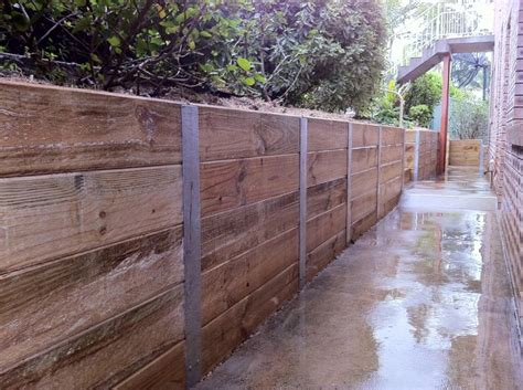 Sleeper Retaining Wall Ideas by Best 25 Steel Fence Posts Ideas On Metal
