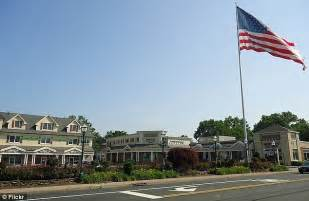 10 best small towns to live in america real estate agent u america s 10 best small towns to live in offer everything