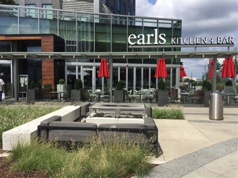 Earls Kitchen And Bar Tysons by Photo0 Jpg Picture Of Earls Kitchen Bar Tysons Corner