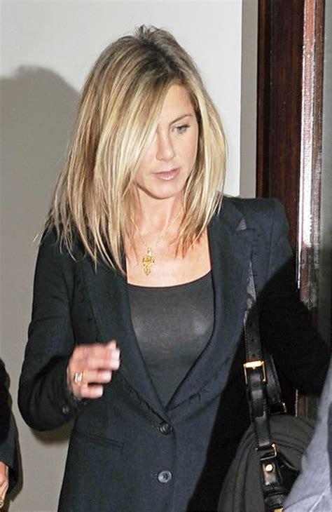 Aniston Hairstyles Pictures by Pictures Of Aniston Medium Hairstyle