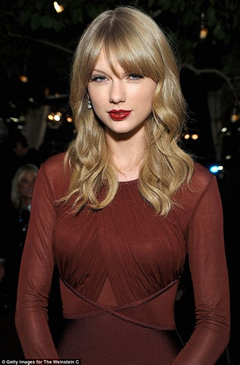 taor swift ash blonde hair taylor swift shows off incredible figure in fitted maroon