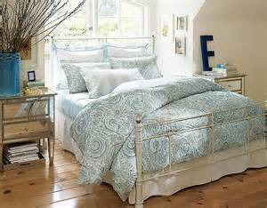 small bedroom makeover small bedroom makeovers decorating your small space