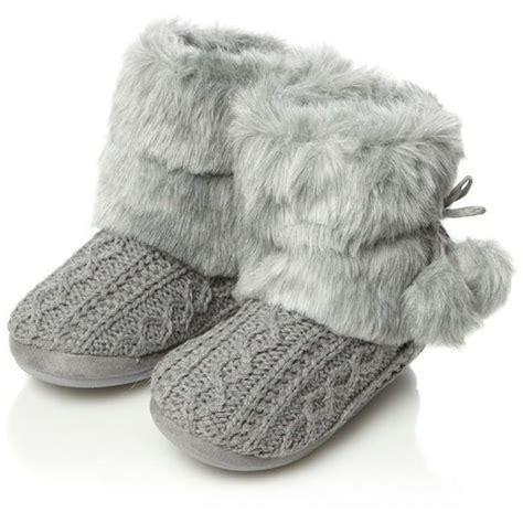 white fluffy slipper boots white fuzzy slipper boots 28 images white fuzzy