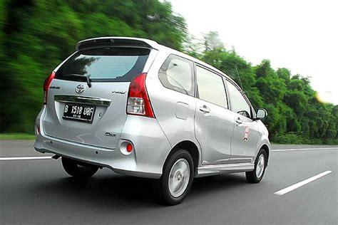 Lu Belakang Avanza 2013 mobilio vs ertiga vs avanza vs spin andra febrian auto