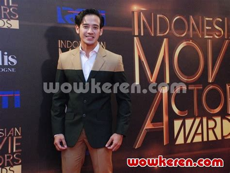film jomblo cast foto tara budiman hadiri indonesia movie actors awards