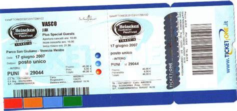 biglietti per il concerto di vasco vendo biglietto concerto di vasco