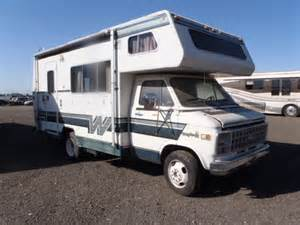 2GBJG31M1C4145417, Bidding ended on 1983 two tone Winnebago Rv   AutoBidMaster