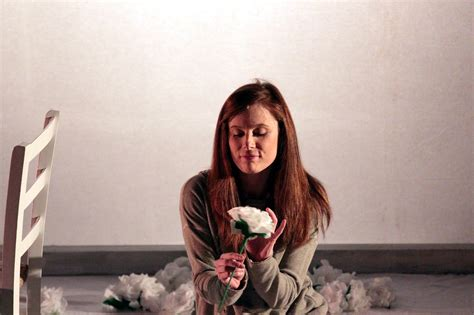 la bambina dei fiori di carta la bambina dei fiori di carta milanoteatri