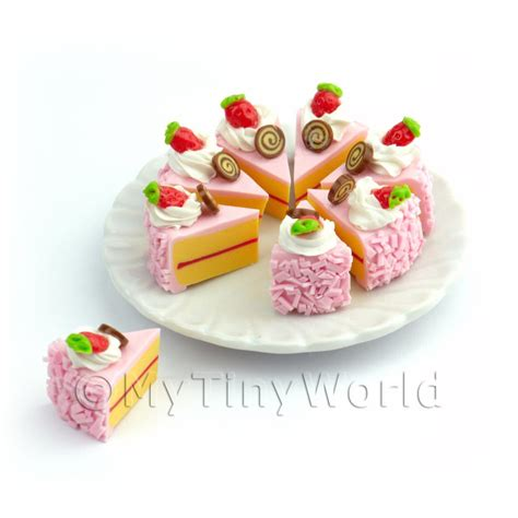 dolls house cakes dolls house miniature cakes and slices dolls house miniature whole sliced pink