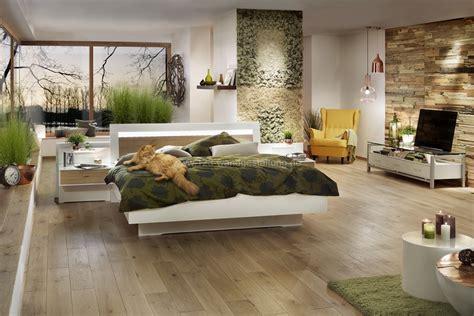 bettdecke grün schlafzimmer renovieren ideen