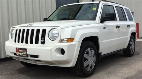 white jeep patriot inside 2009 jeep patriot 4wd automatic power windows