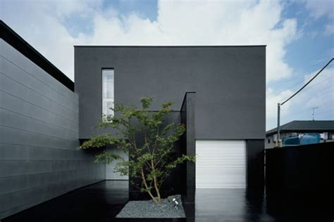 video these japanese minimalists own almost nothing exterior minimalist design minimalist home design