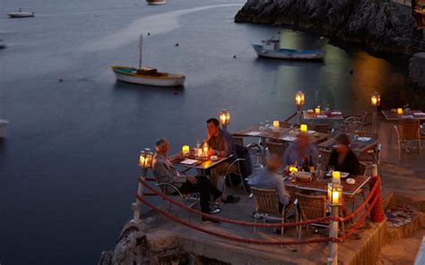 17 amazing restaurant views in the world 5 is il pirata praiano italy world s most amazing