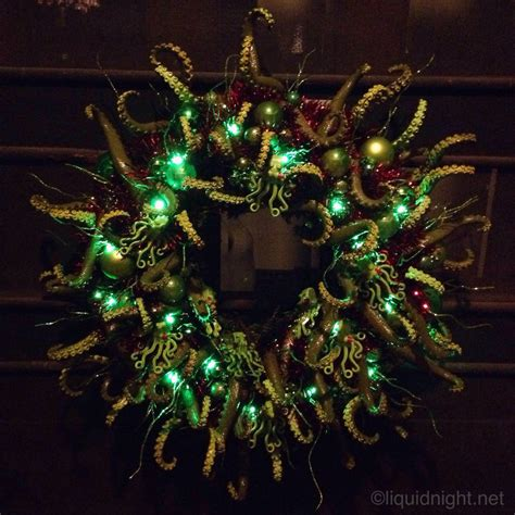 completed  cthulhu themed christmas wreath   tentacles merry cthulhumas