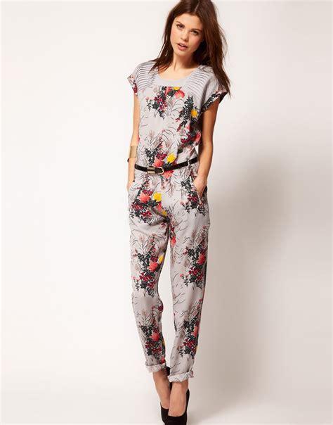 17 Best ideas about Floral Jumpsuit on Pinterest   Jumpsuit outfit, Jumpsuits and Elegant jumpsuit