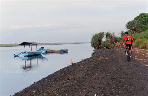 Kaos Mancing Mangrove bermain rakit di mangrove pantai baros bantul nasirullah