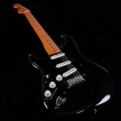 Gitar Fender Monogramed David Beckam Edition 2 Fender Custom Shop David Gilmour Strat Lefty Guitars Only