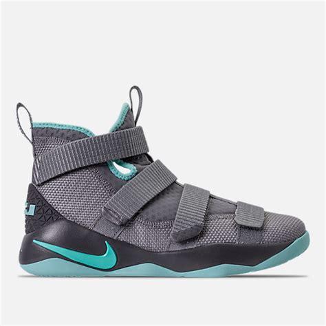 Sepatu Basket Nike Lebron 11 Grade Original boys grade school nike lebron soldier 11 basketball shoes finish line