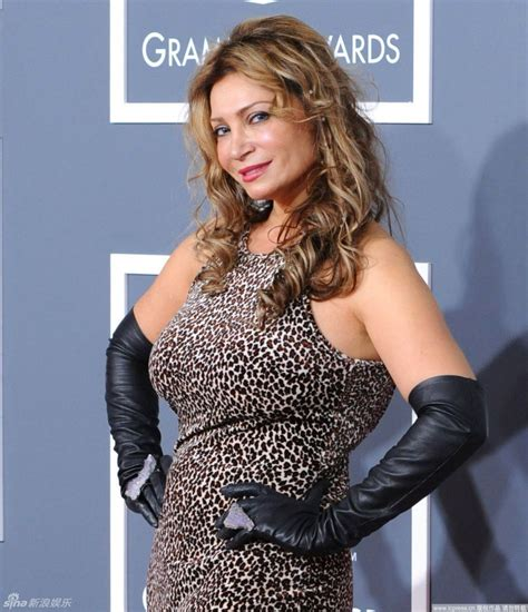 celebrity opera singers celebrities in gloves singer cindy valentine wearing