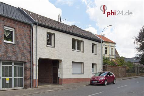 garage aachen phi aachen gepflegtes mehrfamilienhaus mit 2 garagen in