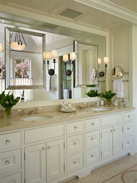 cream colored bathroom cabinets 1000 ideas about cream colored cabinets on pinterest