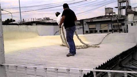 placas de poliuretano para techos aplicaci 243 n de spray de poliuretano en techo de