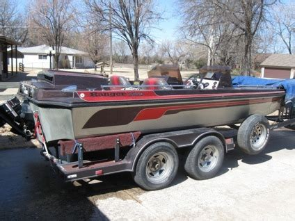 ranger bass boat inboard ranger inboard pictures to pin on pinterest pinsdaddy