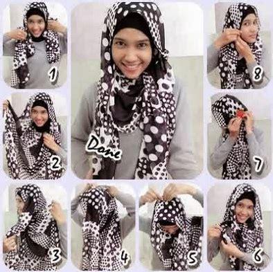 Segi Empat Rayon 2 kreasi cara memakai jilbab monochrome segi empat