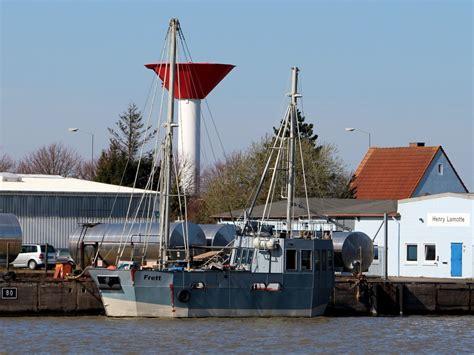 Häuser Zum Mieten by Die Schulz 40 Yacht Louisa Liegt Im Hafen Waren
