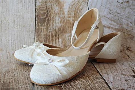 Flache Brautschuhe Ivory flache brautschuhe aus spitze mit schleifchen ivory