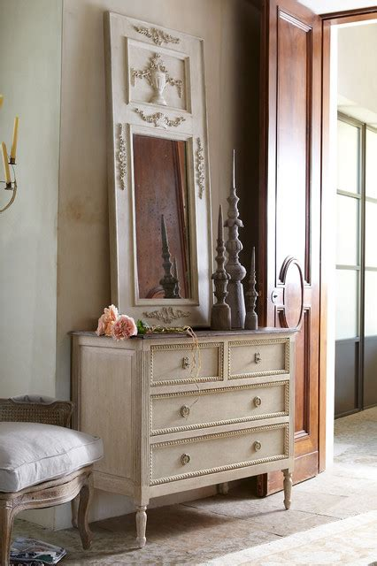 Dressers Chests And Bedroom Armoires Traditional Dressers Chests And Bedroom Armoires