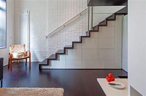 Metal Landing Banister And Railing 楼梯柜子图 图片素材