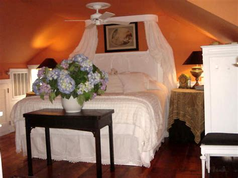 Wall Mounted Bed Canopy Canopy Bed Plans Quotes