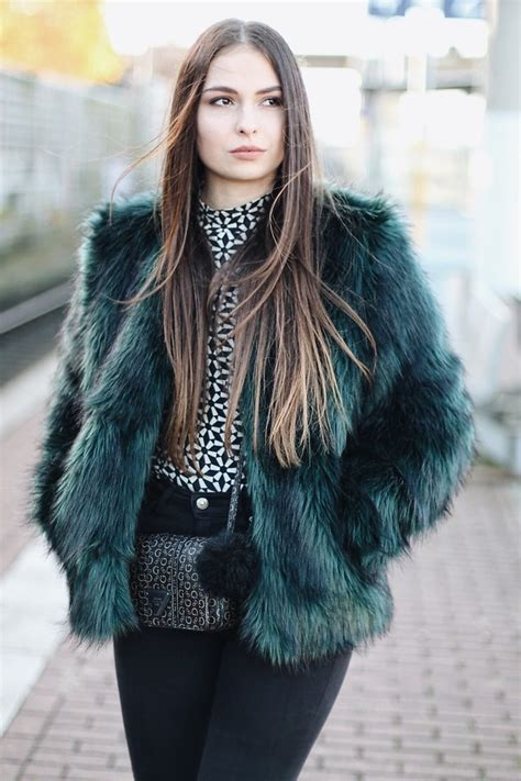 Jeany Green jeany roge fluffy teal green jacket lookbook