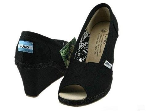 toms shoes on sale 35 best images about wedges on wedge high