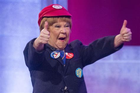 Krankies star Janette Tough criticised for ?racist? portrayal of Japanese designer in new Ab Fab