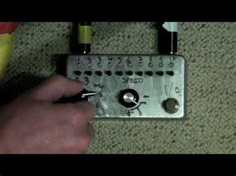 Nicolas Collins Handmade Electronic - cmos sequencer inspired by handmade electronic