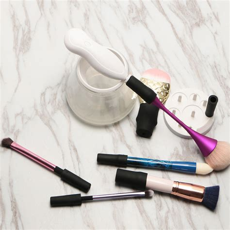 Kuas Alat Make Up mesin pembersih brush bersihkan kuas make up dengan cepat