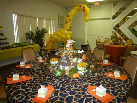 Giraffe Centerpieces For Baby Shower by Baby Shower Centerpiece Giraffe Balloon Sculpture For