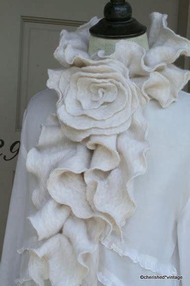Jaket Sweater Fleece Wanita Slc 377 25 best ideas about sweater on sweater crafts sweater pillow and how to