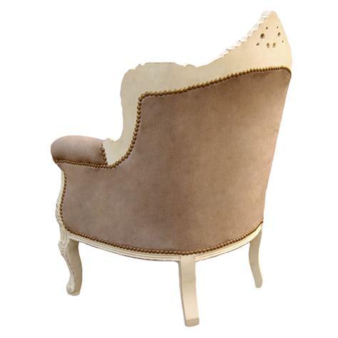 fauteuil velours taupe fauteuil quot princier quot de style baroque velours taupe et bois