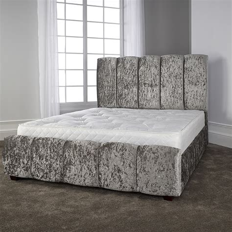 Trendy Beds by Winstead Trendy Bed In Glitz Silver With Wooden 27479
