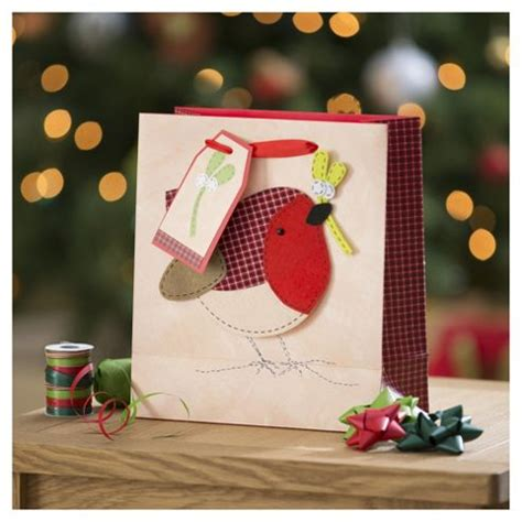 buy tesco robin christmas gift bag medium from our