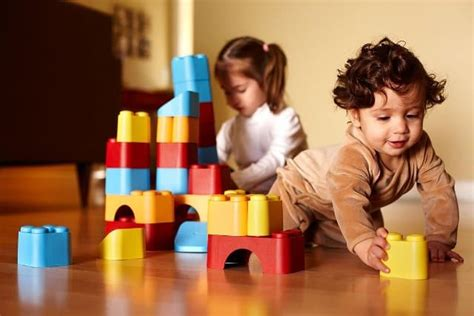 imagenes hermosas de niños jugando 7 capacidades que los ni 241 os desarrollan a trav 233 s del juego