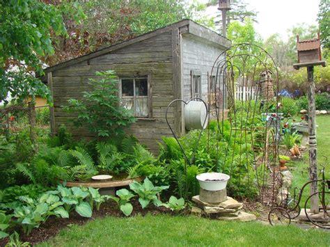 palo garden decor hostas perennials garden junk